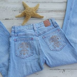 Mudd Embroidery Lightwash Jeans. Size 8 slim